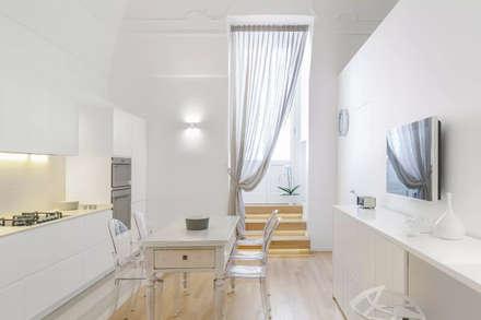 CASA_G: Cucina in stile in stile Moderno di salvatore cannito architetto