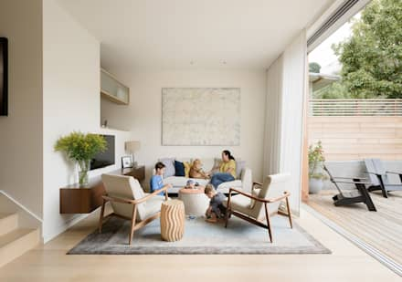 Fitty Wun: modern Living room by Feldman Architecture