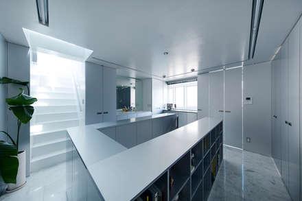 新保本・HOUSE・K(SHINBOHON・HOUSE・K): 吉田裕一建築設計事務所が手掛けた浴室です。