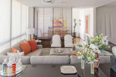 Sala de estar: Quartos  por Danyela Corrêa Arquitetura