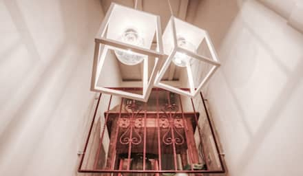 CASA RURALE CONTEMPORANEA: Studio in stile In stile Country di cristina zanni designer