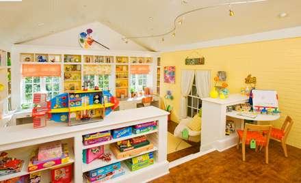 Um exemplo de criança e sala de jogos.: Escritórios e Espaços de trabalho  por D O M | Architecture interior