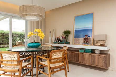 tropical Dining room by criarprojetos | ARQUITETURA . INTERIORES . ENGENHARIA