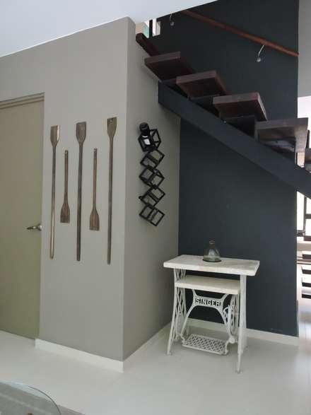 Bodegas de estilo tropical por Vau Studio