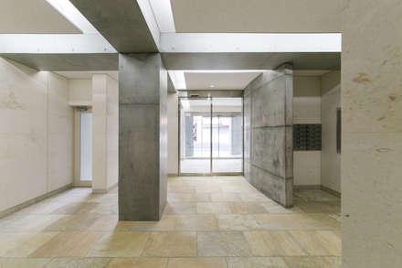 エントランスホール: 株式会社YDS建築研究所が手掛けた玄関・廊下・階段です。
