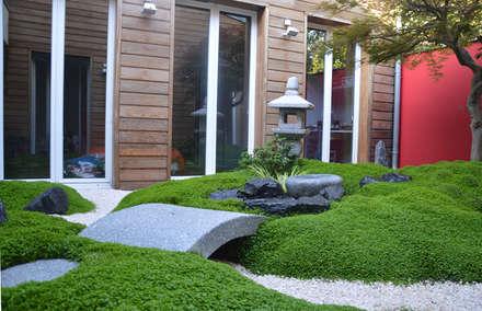 Jardin de thé sur terrasse parisienne: Jardin de style de style Asiatique par JARDIN JAPONAIS