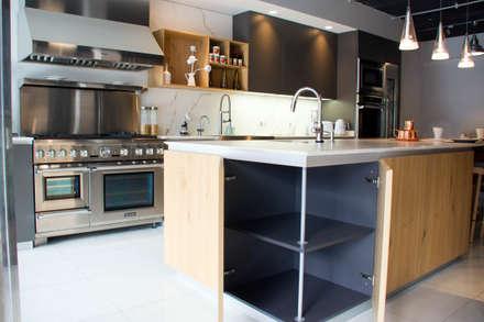 Moderne Küche Von ARTE CUCINE/ PEDINI SAN ANGEL
