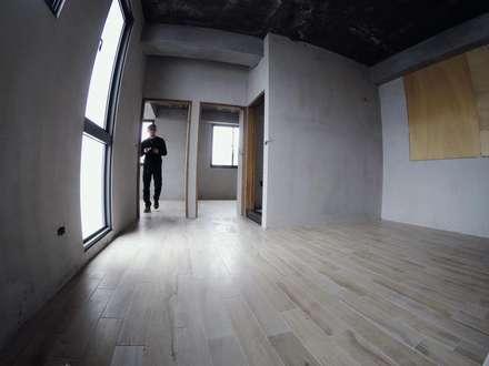 別墅施作中-記錄:  更衣室 by 光島室內設計