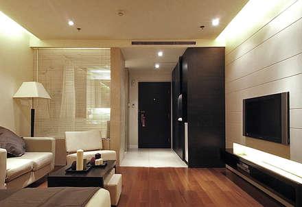 天津 格林園酒店標準房型:  飯店 by 直譯空間設計有限公司