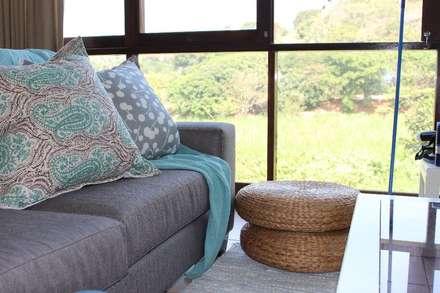 HOUSE WESTBROOK: mediterranean Living room by Covet Design