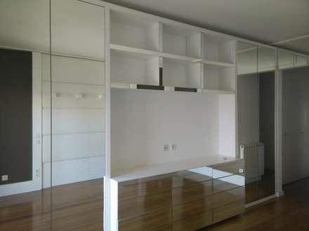 Apartamento em Telheiras - Lisboa: Quartos modernos por MUDA Home Design