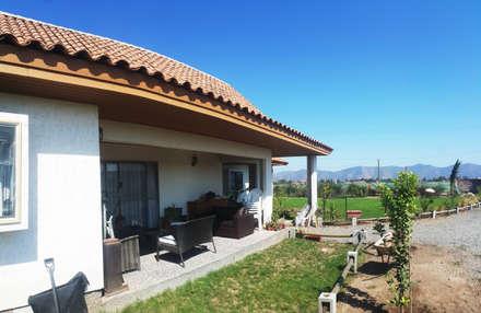 Casa Diaz, Talagante.: Casas de estilo rural por Toledo estudio Arquitectos