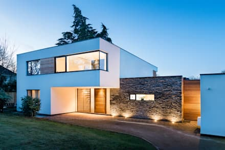 White Oaks Entrance: modern Houses by Barc Architects