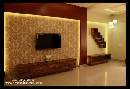 moderner Multimedia-Raum von Sree Balaji Interior