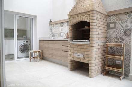 Cozinha Gourmet Vila Mariana: Cozinhas modernas por Angélica Hoffmann Arquitetura e Interiores