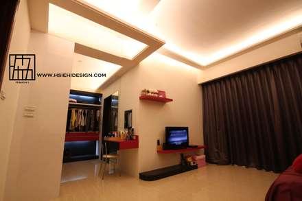 天花板造型:  牆壁與地板 by 協億室內設計有限公司