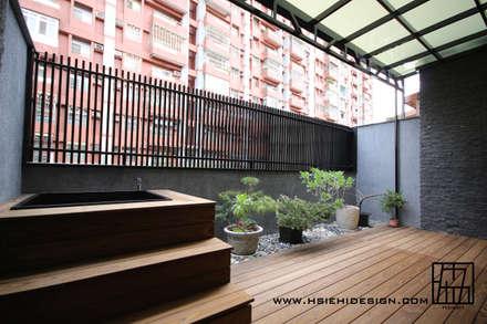 Terrazas de estilo  por 協億室內設計有限公司