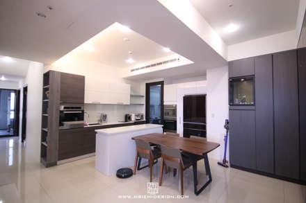 廚房與餐廳:  廚房 by 協億室內設計有限公司