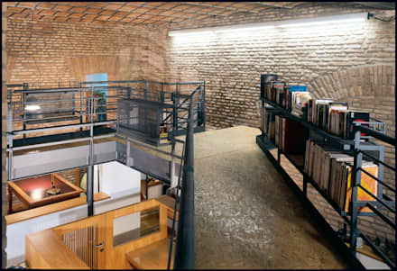 Studio Bianchi Architettura: Complessi per uffici in stile  di Studio Bianchi Architettura
