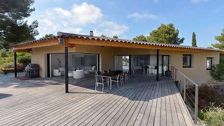 Réinvention Maison: Salle à manger de style de style Méditerranéen par Atelier Jean GOUZY
