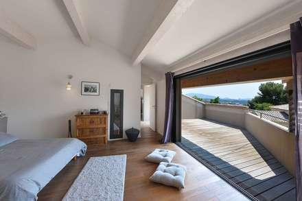 Création Maison / Plan de Cuques : Chambre de style de style Méditerranéen par Atelier Jean GOUZY