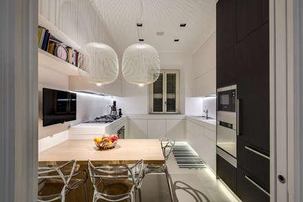 GERMANICO : Cucina in stile in stile Moderno di MOB ARCHITECTS