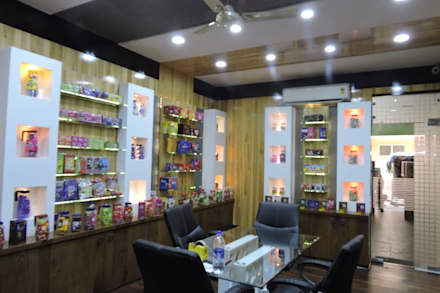 Office interior at Indore:  Exhibition centres by Gupta's associated architects