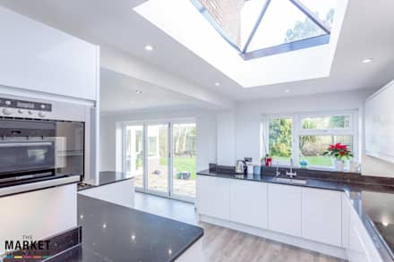 ROOF LIGHT:  Windows  by The Market Design & Build