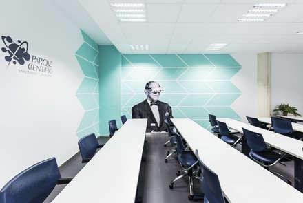 Mr. Gernsback: Salas multimedia de estilo ecléctico de GIVEME5.es