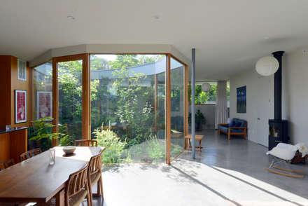 ausgefallene Esszimmer von NO Architecture