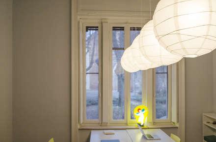 studio: Studio in stile in stile Eclettico di luogo comune