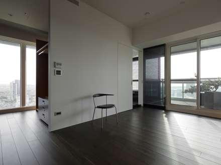 73號‧原舍:  臥室 by 洪文諒空間設計