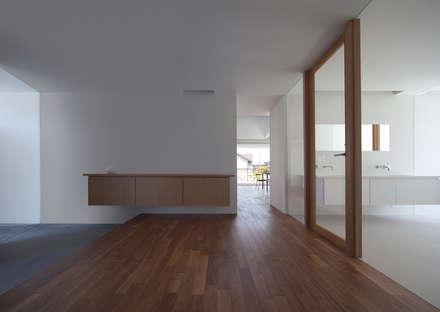 七隈の家: 森裕建築設計事務所 / Mori Architect Officeが手掛けた玄関・廊下・階段です。