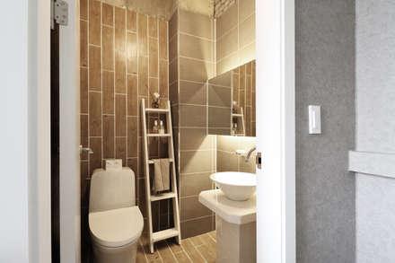 modern Bathroom by 6point studio