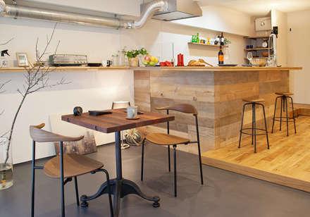 ダイニング・キッチン: nano Architectsが手掛けたダイニングです。