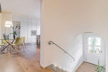 Ingresso & Scale: Ingresso & Corridoio in stile  di Facile Ristrutturare