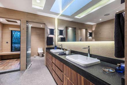 Real de Hacienda III - Sobrado + Ugalde Arquitectos: Baños de estilo  por Sobrado + Ugalde Arquitectos