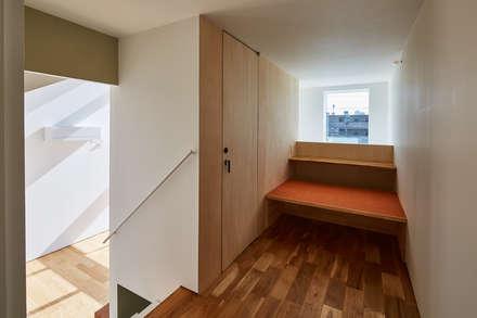 子供の勉強場所: 武藤圭太郎建築設計事務所が手掛けた子供部屋です。