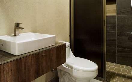 ห้องน้ำ by MOVE Arquitectos