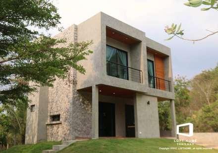 Modern Loft 2-story Home:  บ้านและที่อยู่อาศัย by LOFT HOME (THAILAND) Co.,Ltd