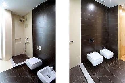 Casa Triunfante: Casas de banho modernas por Esquissos 3G