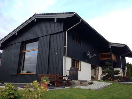 Harley Davidson zu Hause: ausgefallene Häuser von w. raum Architektur + Innenarchitektur