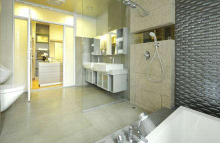 嘉義  科美建設別墅 :  浴室 by 大也設計工程有限公司 Dal DesignGroup