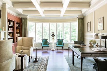 Riverside Retreat - Library and Office: classic Study/office by Lorna Gross Interior Design