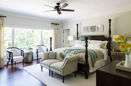 Riverside Retreat - Guest Bedroom: classic Bedroom by Lorna Gross Interior Design