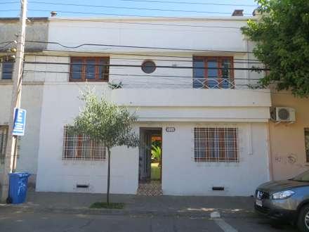 Después: Casas de estilo clásico por Moreno Wellmann Arquitectos