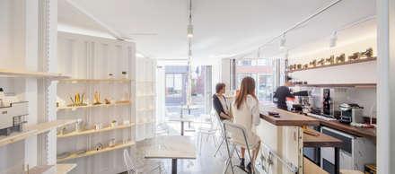 Orange Cube House: Design Guild의  다이닝 룸