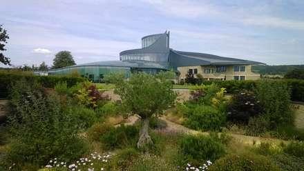 Swinhay House: eclectic Garden by Austin Design Works