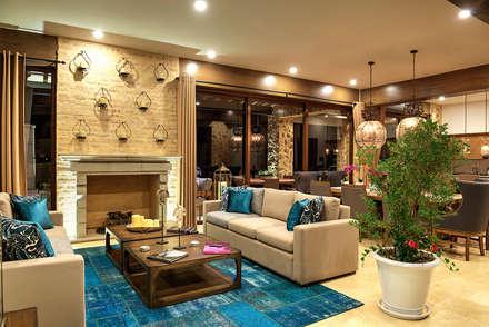 mediterranean Living room by INTERPRIKA