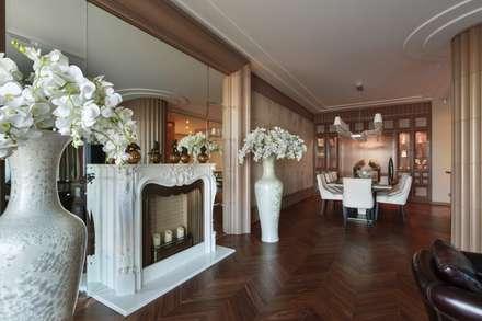 Дизайн квартиры в Гранатном переулке: Гостиная в . Автор – Студия дизайна интерьера в Москве 'Юдин и Новиков'
